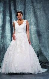 V-Neckline Sweep-Train Jewellery Ball-Gown Princess Corset-Back-Waist Lace Dress