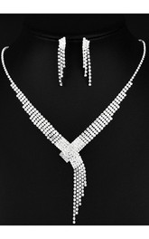 Special Bridal and Evening Party Rhinestone Necklace and Earrings Jewelry Set