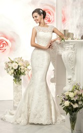 Cap-Sleeve Appliqued Long Fishtail Lace Gown