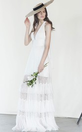 Unique Chiffon Floor-length Sleeveless Wedding Dress