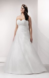 Sweetheart Criss cross A-line Side-draped Tulle plus size wedding dress