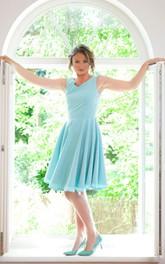 V-neck Sleeveless Chiffon Knee-length Dress With Pleats