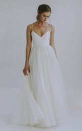 Spaghetti Straps Sexy A-line Wedding Gown With Tulle