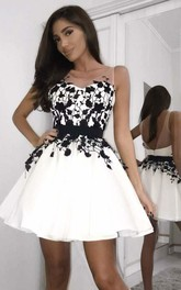 Sweetheart V-neck Satin Sleeveless Short Homecoming Dress with Appliques and Ribbon