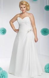 Sweetheart Chiffon side-ruched plus size wedding dress With Beading