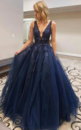 Plunging Neckline Straps Tulle Sleeveless Floor-length Ball Gown Evening Dress with Beading