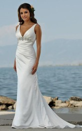 Brush-Train Es Wedding V-Neckline Sassy Beach Gown