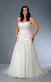 Strapless A-line Tulle Lace plus size wedding dress With Pleats And Corset Back