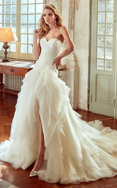 Sweetheart Ruffled Front-split Ball Gown With Appliques And Court Train