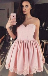 Sleeveless A-line Ball Gown Short Mini Sweetheart Pleats Ruching Lace Homecoming Dress