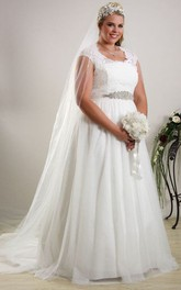 V-neck Cap-sleeve Tulle Appliqued plus size wedding dress With Beading