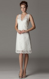 V-neck Sleeveless Lace short Wedding Dress With Appliques