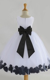 Simple Chiffon and Tulle Scoop Sleeveless Sash Bow Flower Girl Dress