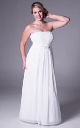 casual Strapless Ruched Chiffon plus size Wedding Dress With Sweep Train
