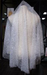 Bright Flashing Fingertip Wedding Veil
