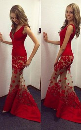 V-Neckline Sheer Skirt Floor-Length Lace Prom Red Sassy Trumpet Dress