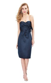 Sweetheart Pencil Satin Knee-length Dress With Ruching And bow