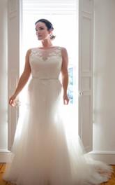 Sleeveless Floral Low-V-Back Long Trumpet Court-Train Appliqued Dress