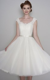 Vintage Cap Sleeve Lace V-neck Tulle Tea length Wedding Dress With Buttons