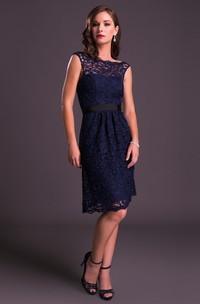 Bateau Lace Sleeveless Knee-length Dress
