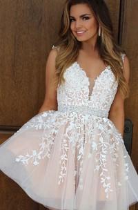 Sleeveless A-line Ball Gown Short Mini V-neck Beading Ruching Ruffles Lace Homecoming Dress