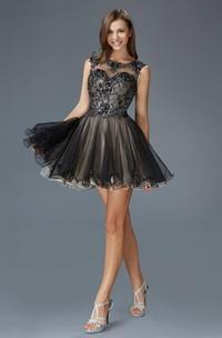 A-Line Keyhole Appliqued Lace Short Mini Sleeveless Bateau Tulle Dress
