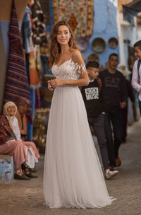 Ethereal Sexy Off-the-shoulder V-neck Tulle Wedding Dress With Lace Details On Top