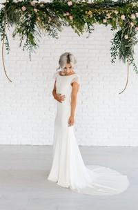 Sheath Cowl Back Lace Bateau-Neckline Chiffon Gown