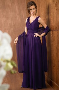 V-neck Chiffon Sleeveless Dress With Lace And central Ruching