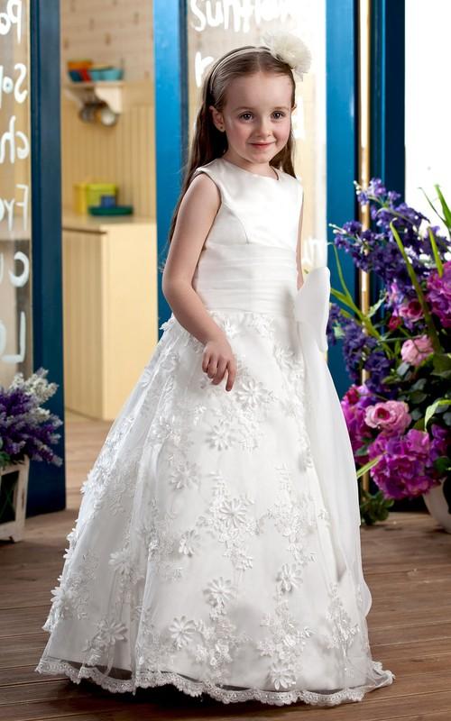 Lace Appliqued Ruched High-Neckline Flower Girl Dress