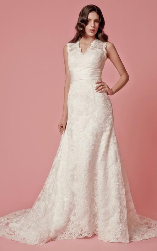 Long Satin Belt Scalloped-Neckline Sleeveless Lace Dress