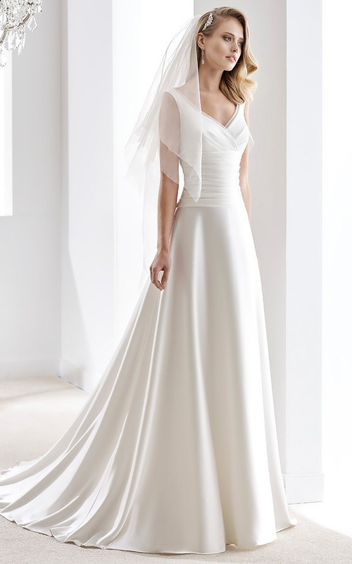 V-neck Sleeveless Satin long Dress With Ruching And Sweep Train