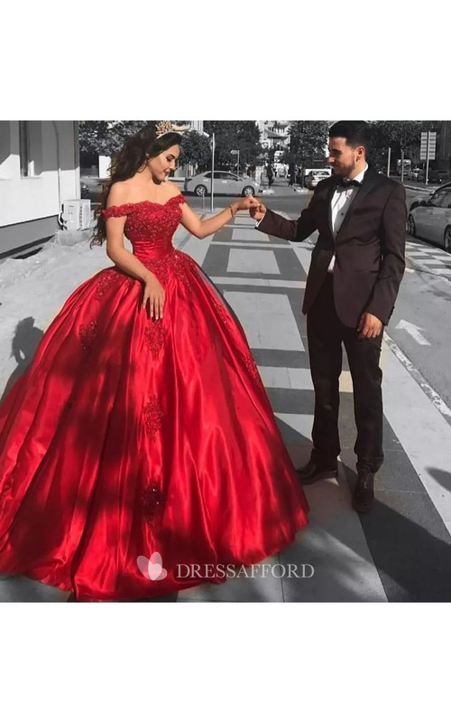 Sexy Off-the-shoulder Short Sleeve Tulle Ball Gown Dress