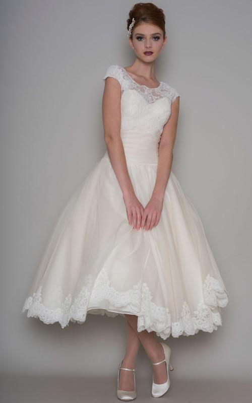 A-line Scoop-neck Cap-sleeve Tea-length Wedding Dress With Appliques