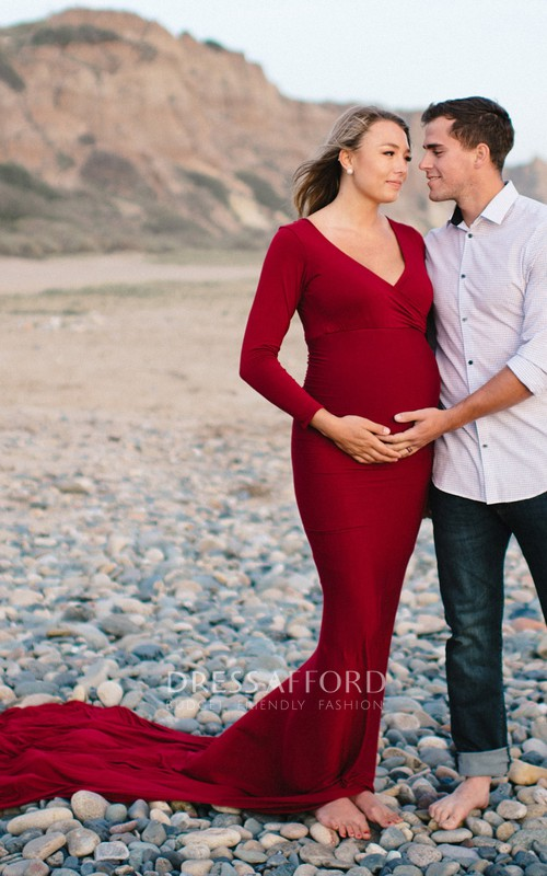 V-neck Long Sleeve Pleated Ruched Maternity Dress