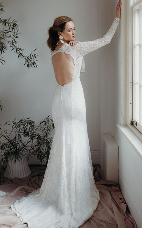 Sexy Sheath Plunging V-neck Lace Bridal Gown With Long Sleeves And Keyhole Back