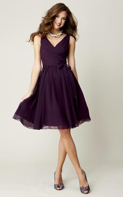 V-neck Sleeveless Chiffon Knee-length Bridesmaid Dress With Criss cross