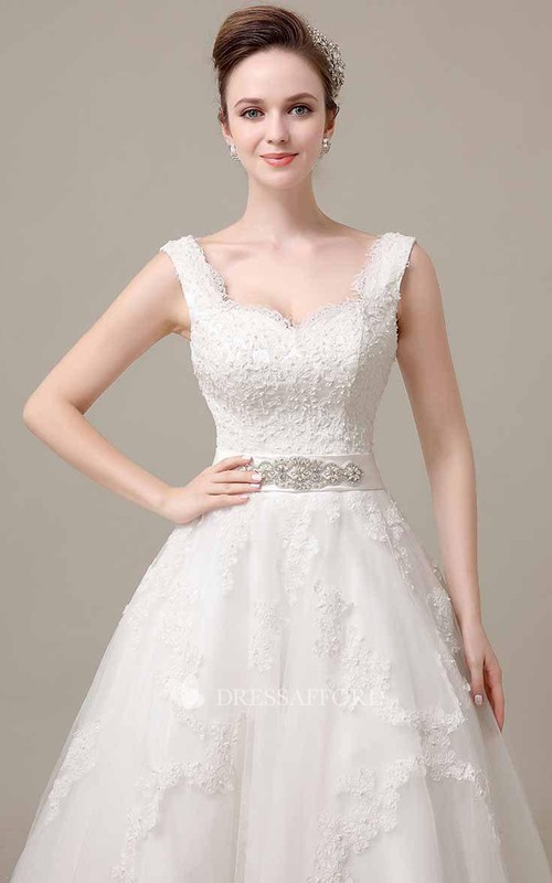 Lace Jeweled Waistband Sleeveless V-Neckline Dress