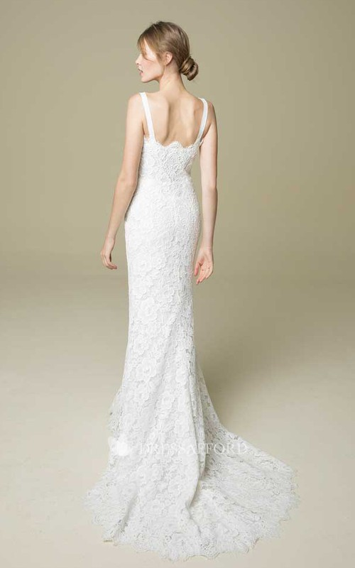 Chic Lace V-neck Wedding Dress With Court Train