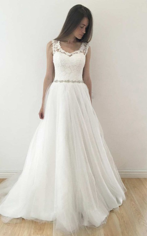 V-Neck Sleeveless A-Line Tulle Pleated Wedding Dress With Keyhole And Beaded Waist