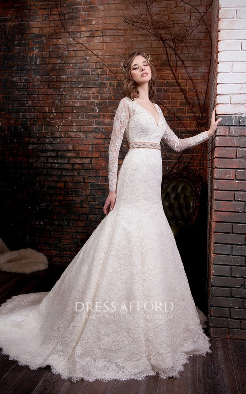 Long-Sleeve Appliqued Waist Jewellery Floor-Length Trumpet Lace Gown