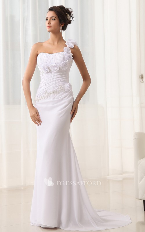 Sweetheart Sweep Train Strap Modern Column Gown