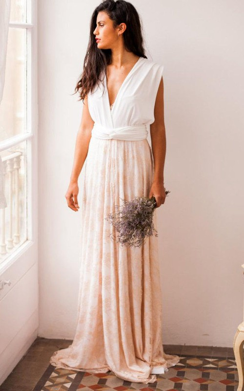 Plunged Sleeveless Pleated long Lace Dress With bow