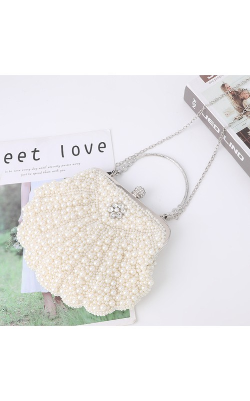 Shell Shaped Pearl Clutch