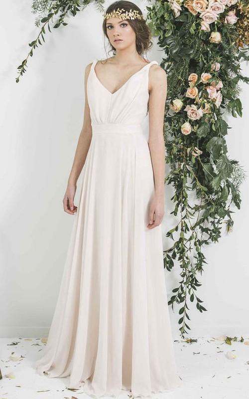 simple V-neck Sleeveless Chiffon Bridesmaid Dress With Pleats
