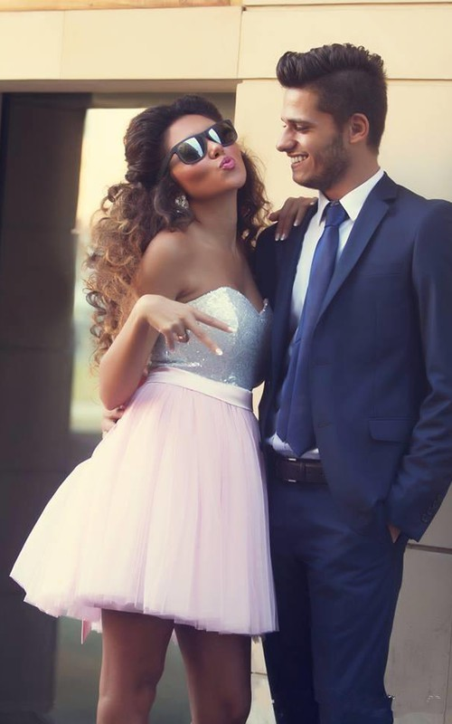 Modern Sweetheart Sleeveless Short Homecoming Dress With Bowknot Sequins