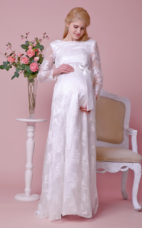 Lace Scoop Back Long-Sleeved Bateau-Neckline Gown