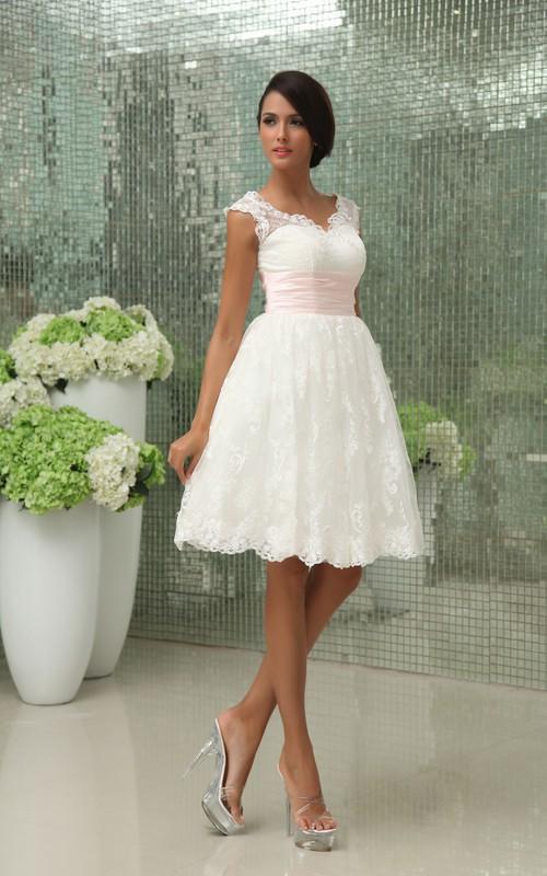 Exquisite Lace Applique Sweetheart Short Gown